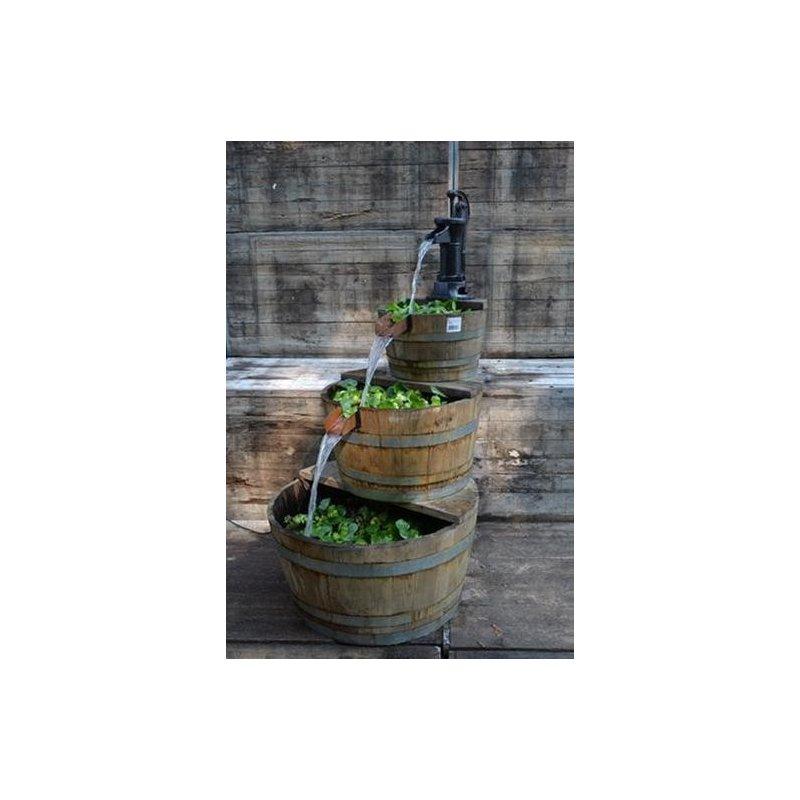Viinitynnyrit vesiaihe 3-os. suihkulähde
