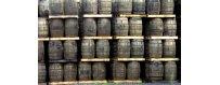 Kätetyt Viinitynnyrit ja Whiskytynnyrit. Tammitynnyreissä kypsytetty viskiä, brandy tai punaviiniä.